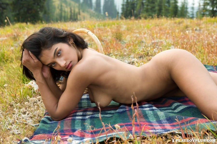 Fresh fruit and wet pussy outdoors