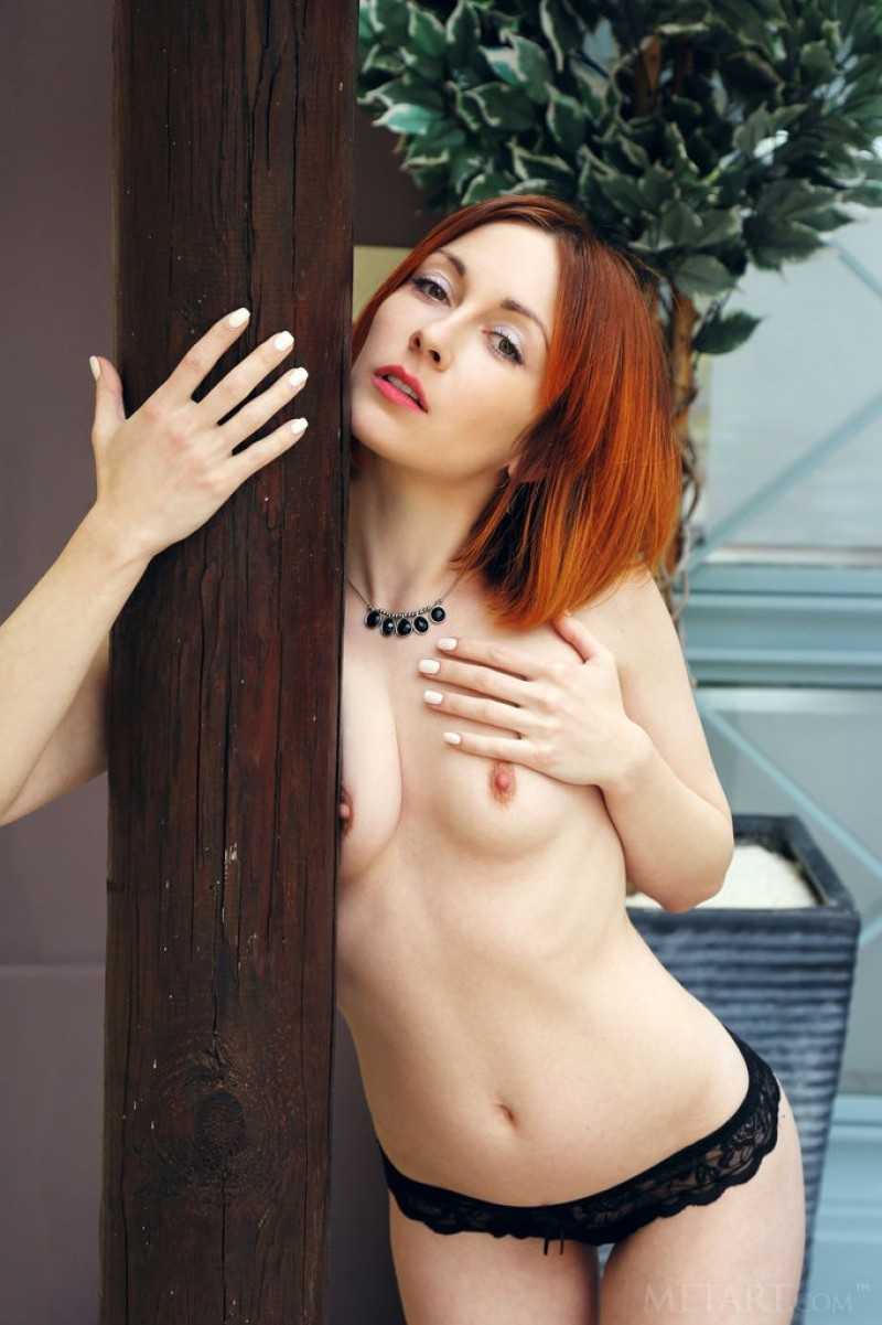 Artistic redhead loves to get naked
