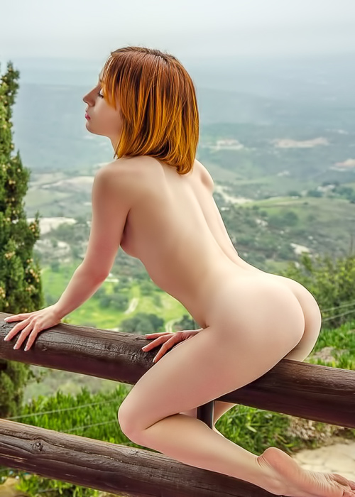 Redhead takes off her miniskirt