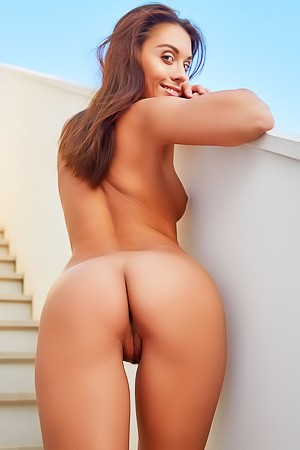 Beautiful Brunette Sabrisse A Shows Shaved Pussy