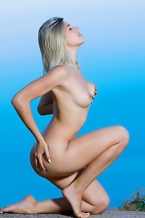 Libby Share Her Sweet Naked Body
