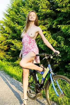 Daring babe goes for a bottomless bike ride