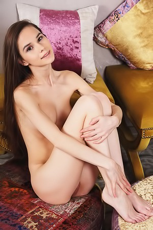 Slim Dark-haired Babe Leona Mia