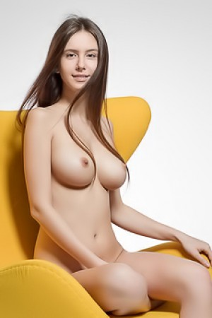 Huge Titted Brunette Alisa I