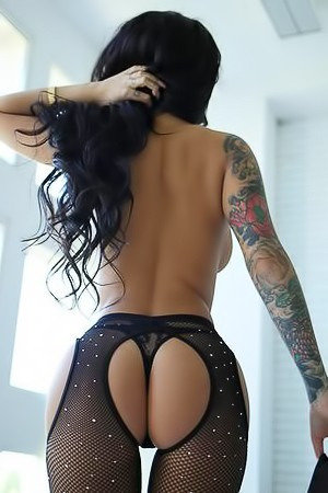 Tanned Cutie IrenaQ With Hot Round Ass